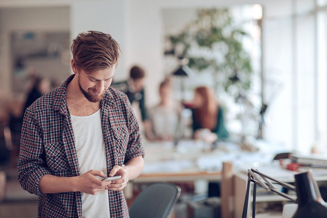 kille-kollar-mobil-kontorslandskap